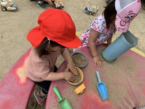 幼稚園が始まりました_c0107515_15465712.jpeg