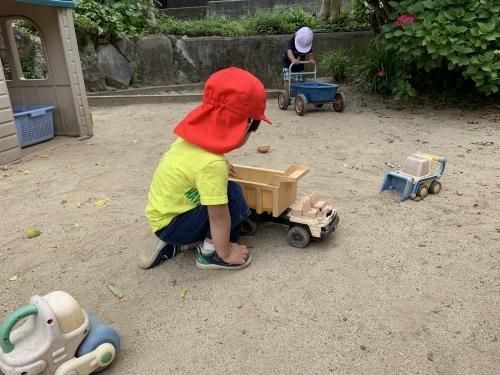 幼稚園が始まりました_c0107515_15472728.jpeg