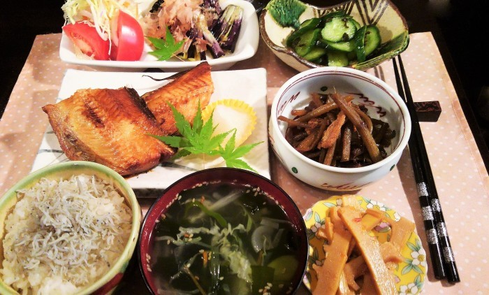 ■晩ご飯・和食【灰干しホッケの焼き魚と作り置き3品副菜で簡単!!】_b0033423_00073964.jpg