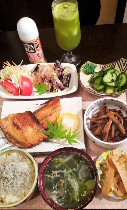 ■晩ご飯・和食【灰干しホッケの焼き魚と作り置き3品副菜で簡単!!】_b0033423_00083104.jpg