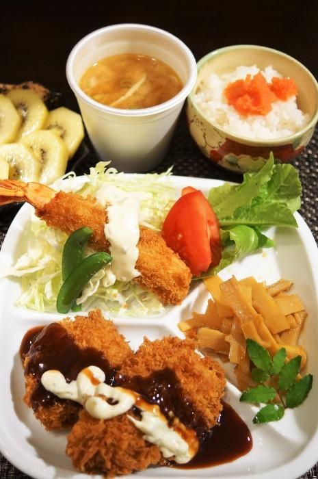 ■グルメ【テイクアウト総菜で晩ご飯/外食ランチなど。】_b0033423_23145470.jpg