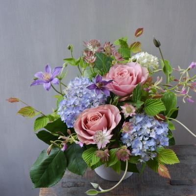 オークリーフ(バラリーズンと季節花のアレンジメント)_f0049672_12430798.jpg
