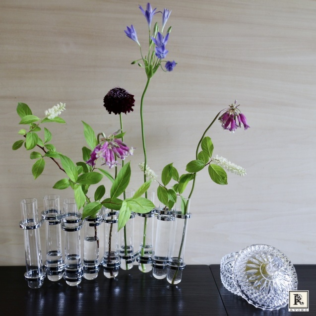 衣替えの6月。お家に涼を取り入れて、お花を飾りましょう。_c0128489_10371411.jpeg