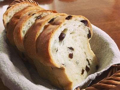 スーパーカメリヤでレーズン食パン、カレーパン、プレッツェルベーグル_f0231189_14083075.jpg
