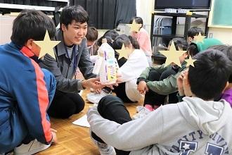 新潟市立五十嵐小学校においてワークショップを行いました_c0167632_13085274.jpg