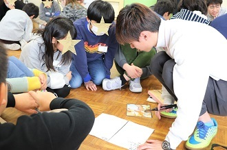 新潟市立五十嵐小学校においてワークショップを行いました_c0167632_13243440.jpg