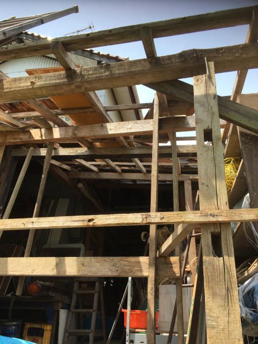 南側の納屋。その4。屋根です。_f0182246_20562777.jpg