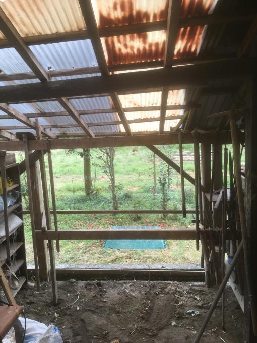 南側の納屋。その4。屋根です。_f0182246_21042340.jpg