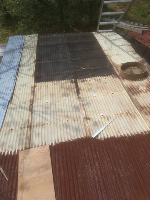 南側の納屋。その4。屋根です。_f0182246_21051368.jpg