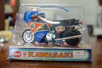 TRIUMPH、KAWASAKI H2_c0404676_10051456.jpg