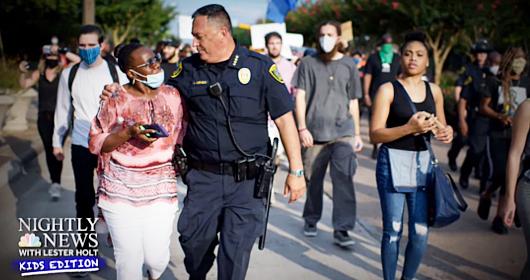 警察による黒人ジョージ・フロイドさん暴行死、子ども向けニュース(NBC Nightly News Kids Edition)はどう報じたか?_b0007805_01461312.jpg