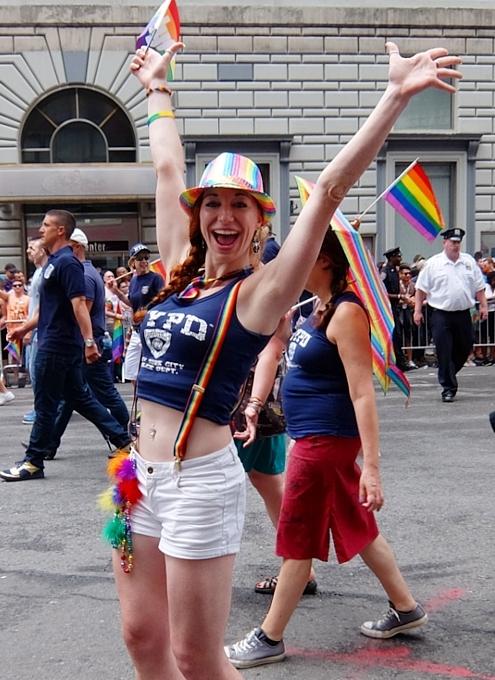 今年、ニューヨークのゲイ・パレード(LGBTQ+ NYC Pride Rally)はバーチャル開催へ_b0007805_23031641.jpg