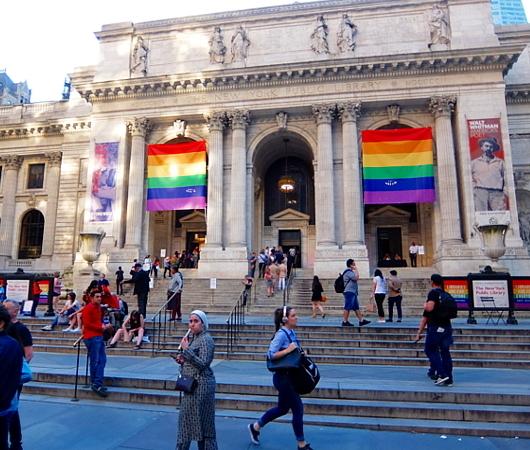 今年、ニューヨークのゲイ・パレード(LGBTQ+ NYC Pride Rally)はバーチャル開催へ_b0007805_23202915.jpg