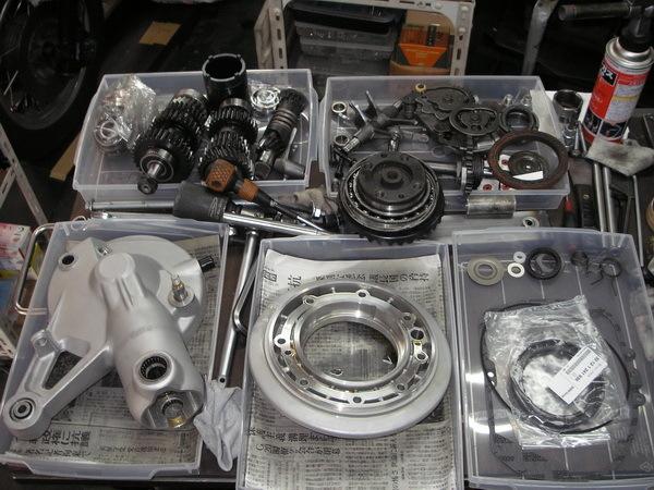 BMW R100GS  ミッションとファイナルドライブのOH_e0218639_11114409.jpg