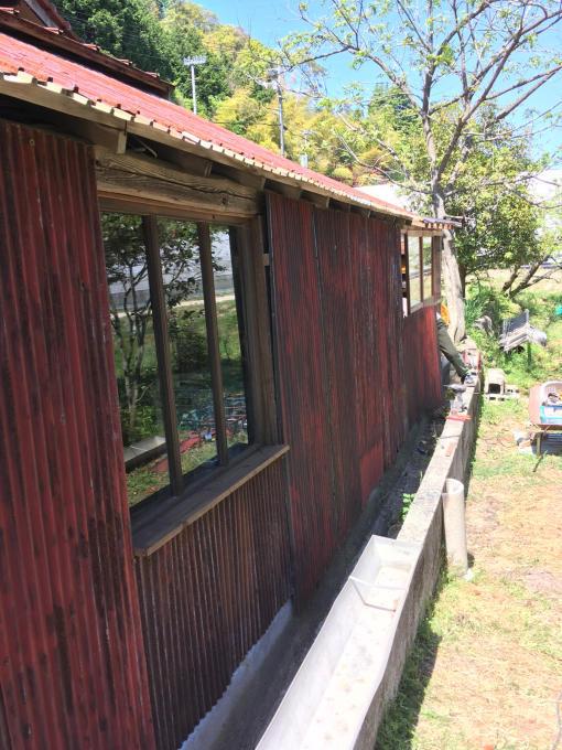 南側の納戸。その5。壁はやはりこれでしょう!_f0182246_16273575.jpg