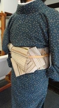 『半巾50+』の50本目とうとう織り上げました。_f0177373_21311359.jpg