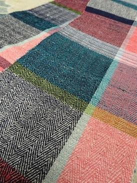 『半巾50+』の50本目とうとう織り上げました。_f0177373_21314817.jpg