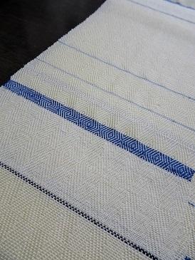 『半巾50+』の50本目とうとう織り上げました。_f0177373_21320407.jpg