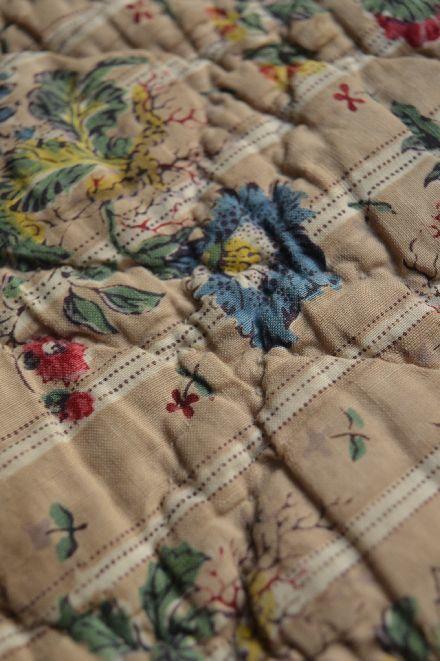 18世紀の初期更紗は アンディエンヌの天然染色 _b0346275_07020827.jpg