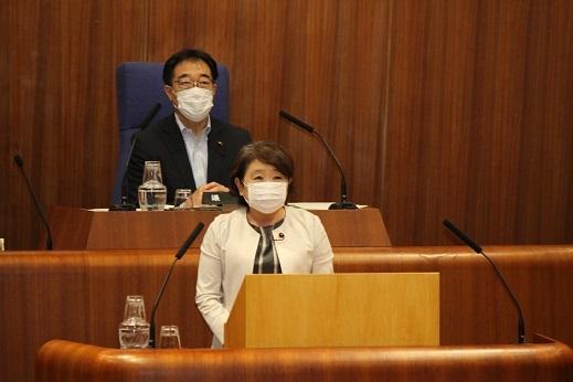 6月4日  本会議_c0013698_15162993.jpg