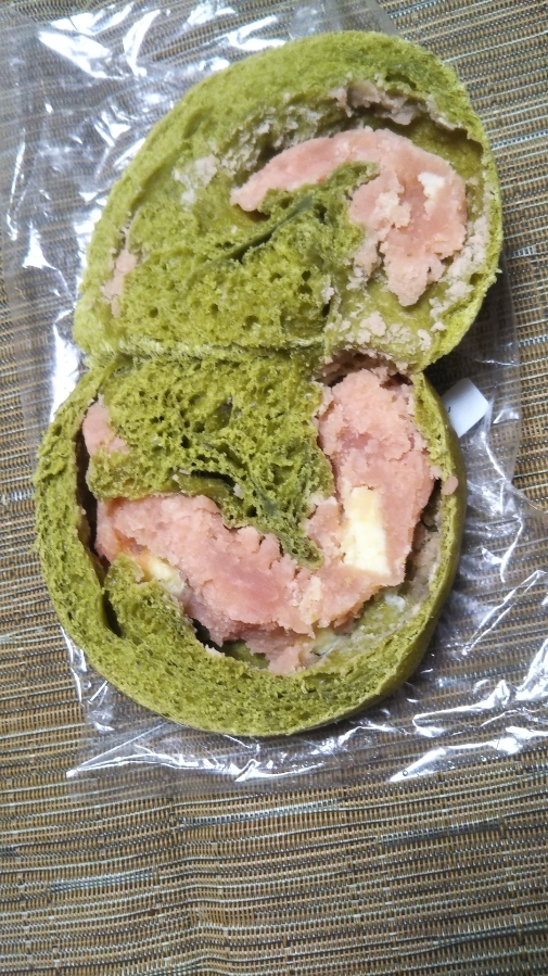 カリンベーグル 桜モンブランミルク_f0076001_19321953.jpg