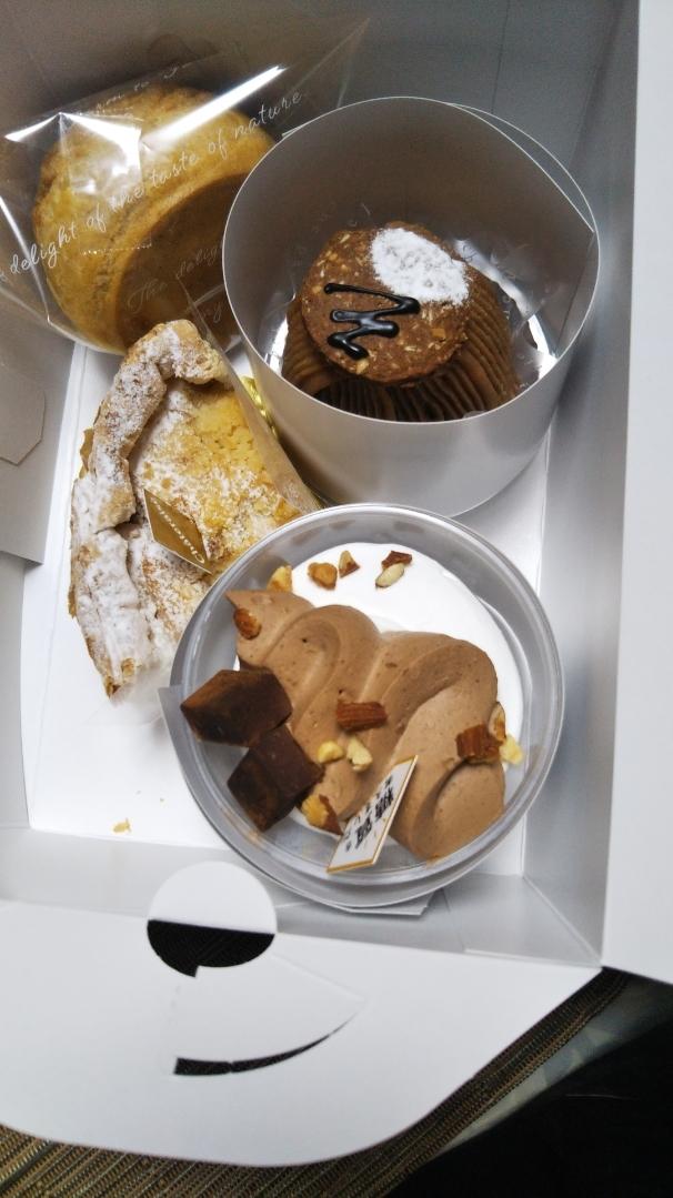 シャトレーゼ ケーキ4種&アイス1種_f0076001_19410763.jpg
