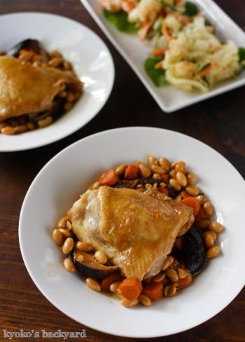 豆ごはん、チキンと大豆の煮物、かき揚げが並んだ和食な食卓_b0253205_23505757.jpg