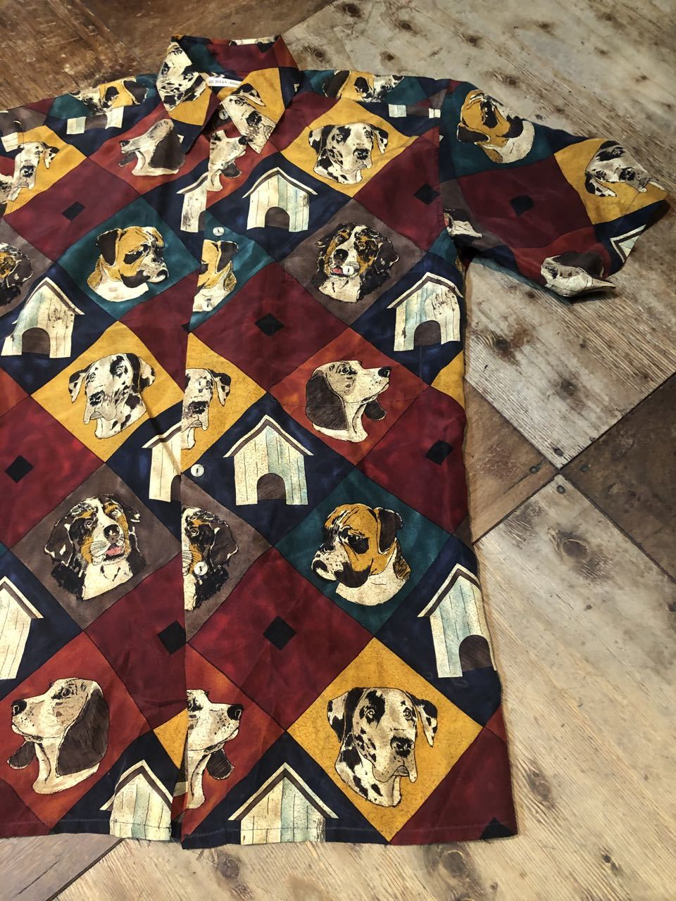 6月8日(月)入荷!90s〜DOGパターン シルクシャツ!_c0144020_12494665.jpg