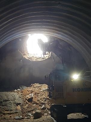 国道399号線十文字トンネル貫通式_d0003224_10252177.jpg
