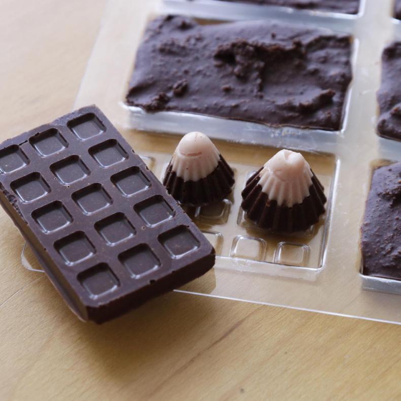 カカオ豆からチョコづくり!おまけのチロルチョコも_c0060143_15221310.jpg
