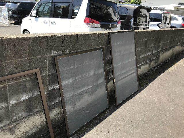 民間・網戸と重量タイプのガラス戸戸車交換と・・_f0031037_17074935.jpg