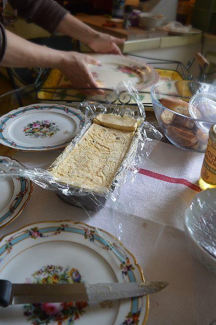 しろしろ ふわふわの南仏家庭菓子_b0346275_08244409.jpg