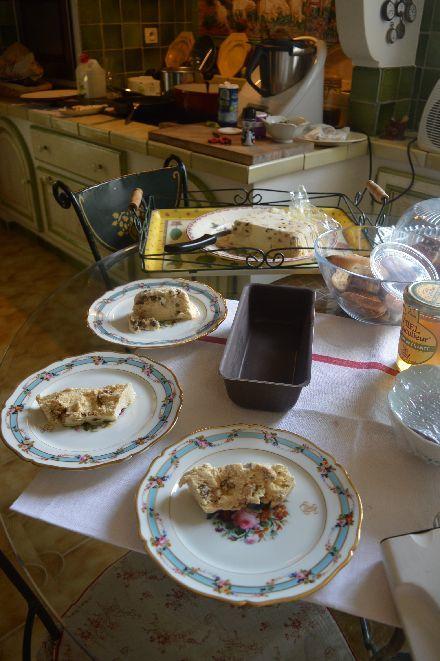 しろしろ ふわふわの南仏家庭菓子_b0346275_08250141.jpg