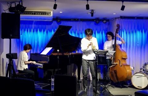 広島 Jazzlive Comin 本日10日と明日11日は おやすみです。_b0115606_10583821.jpeg