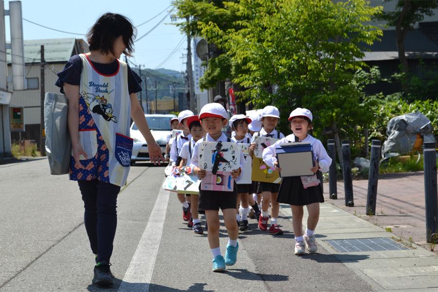 第一幼稚園 時計屋さん見学_d0353789_16473988.jpg