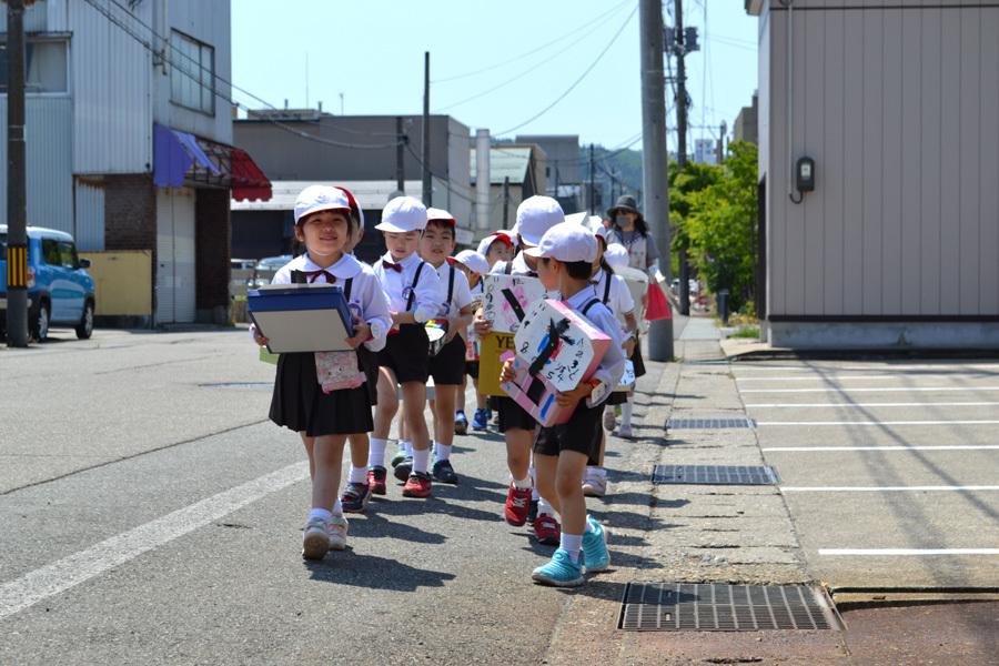 第一幼稚園 時計屋さん見学_d0353789_16474598.jpg