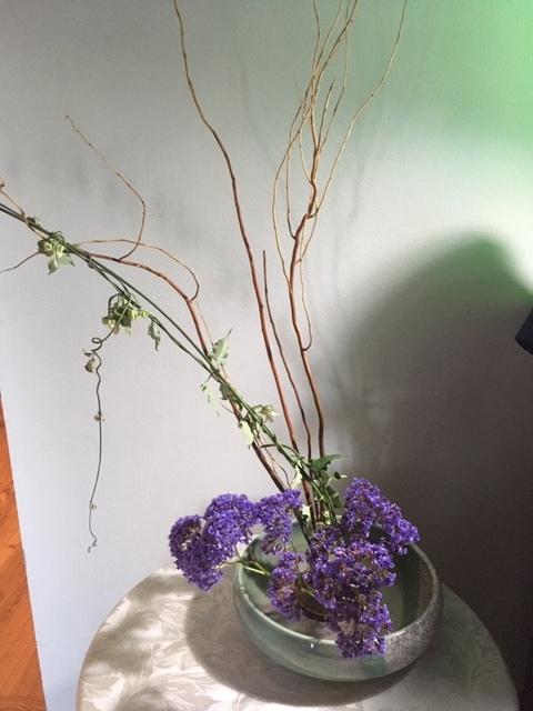 一重の立葵と生け花_e0350971_23155554.jpg