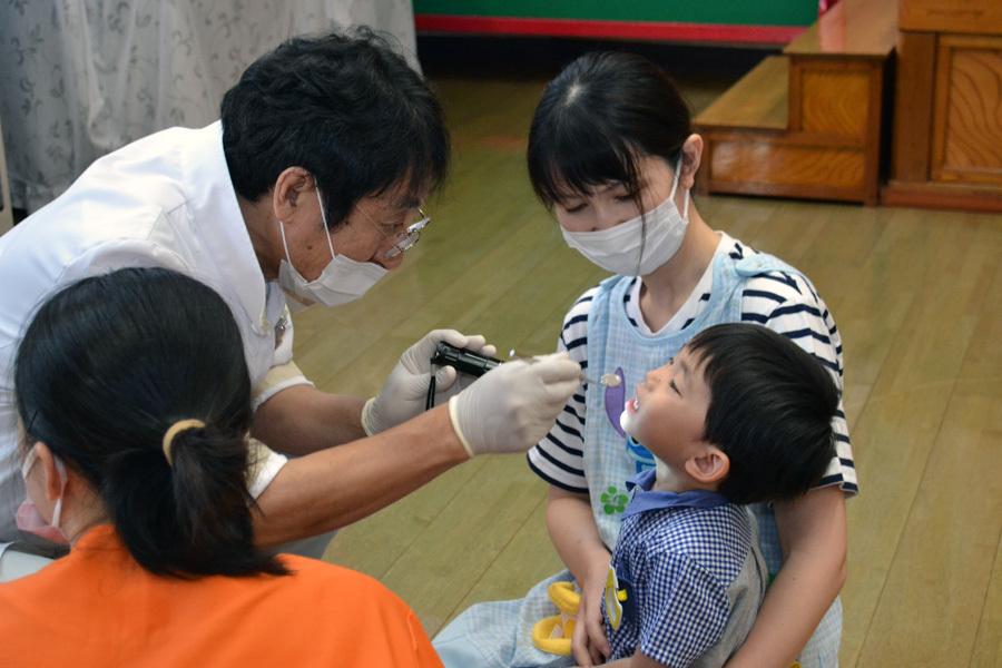 今日は、歯科検診を行いました。_d0353789_13382018.jpg