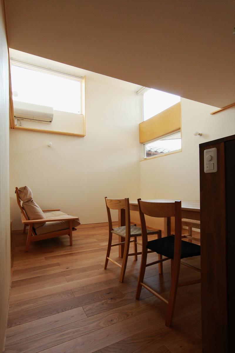 コンセプトをご紹介 住宅密集地に建つ光あふれる開放感のある住まい_b0349892_05575989.jpg