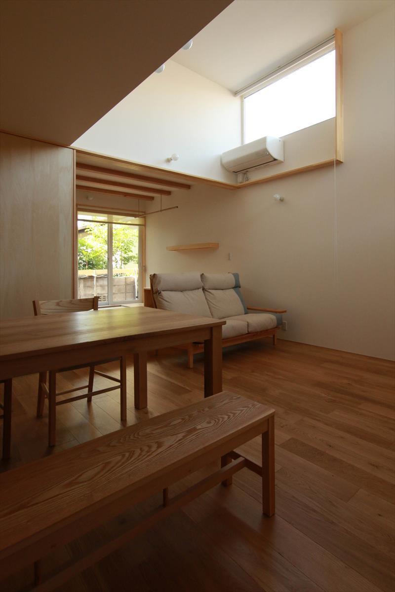 コンセプトをご紹介 住宅密集地に建つ光あふれる開放感のある住まい_b0349892_05583822.jpg