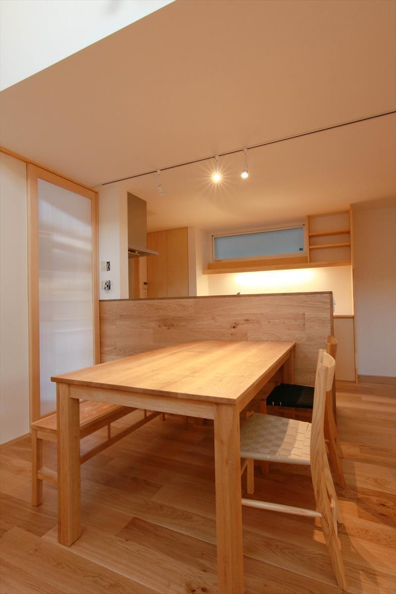 コンセプトをご紹介 住宅密集地に建つ光あふれる開放感のある住まい_b0349892_06213575.jpg