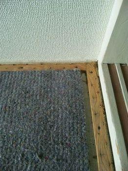 マンションのカーペットを剥がすと・・・_c0405550_16454607.jpg