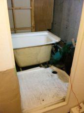 浴室の解体~マンション_c0405550_16455294.jpg
