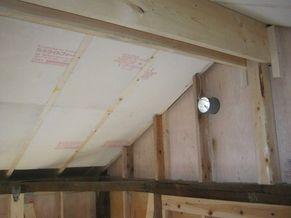 屋根裏の暑さ対策_c0405550_16460449.jpg