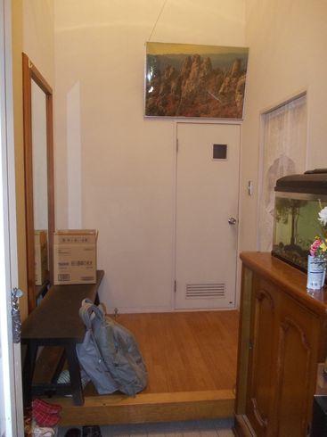 無垢の杉板で玄関リフォーム 下駄箱と壁面収納_c0405550_16461323.jpg