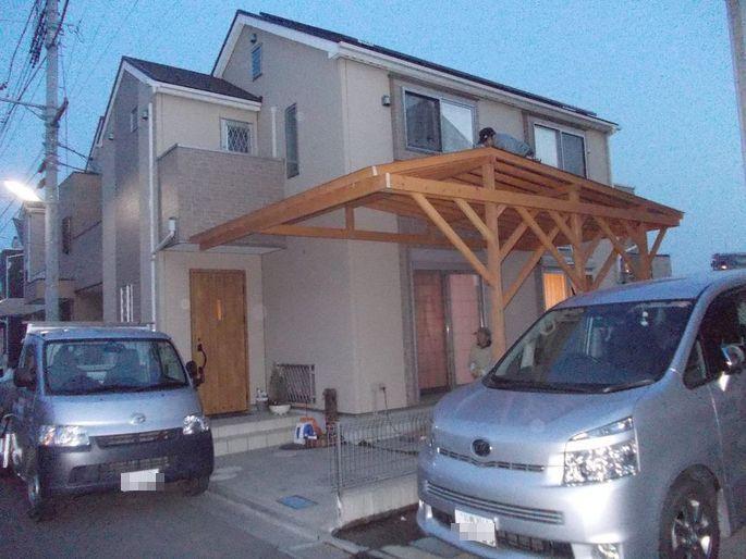 玄関と繋ぐ木のカーポート_c0405550_16462440.jpg