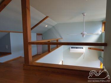 ロフトのある部屋_c0405550_16470099.jpg