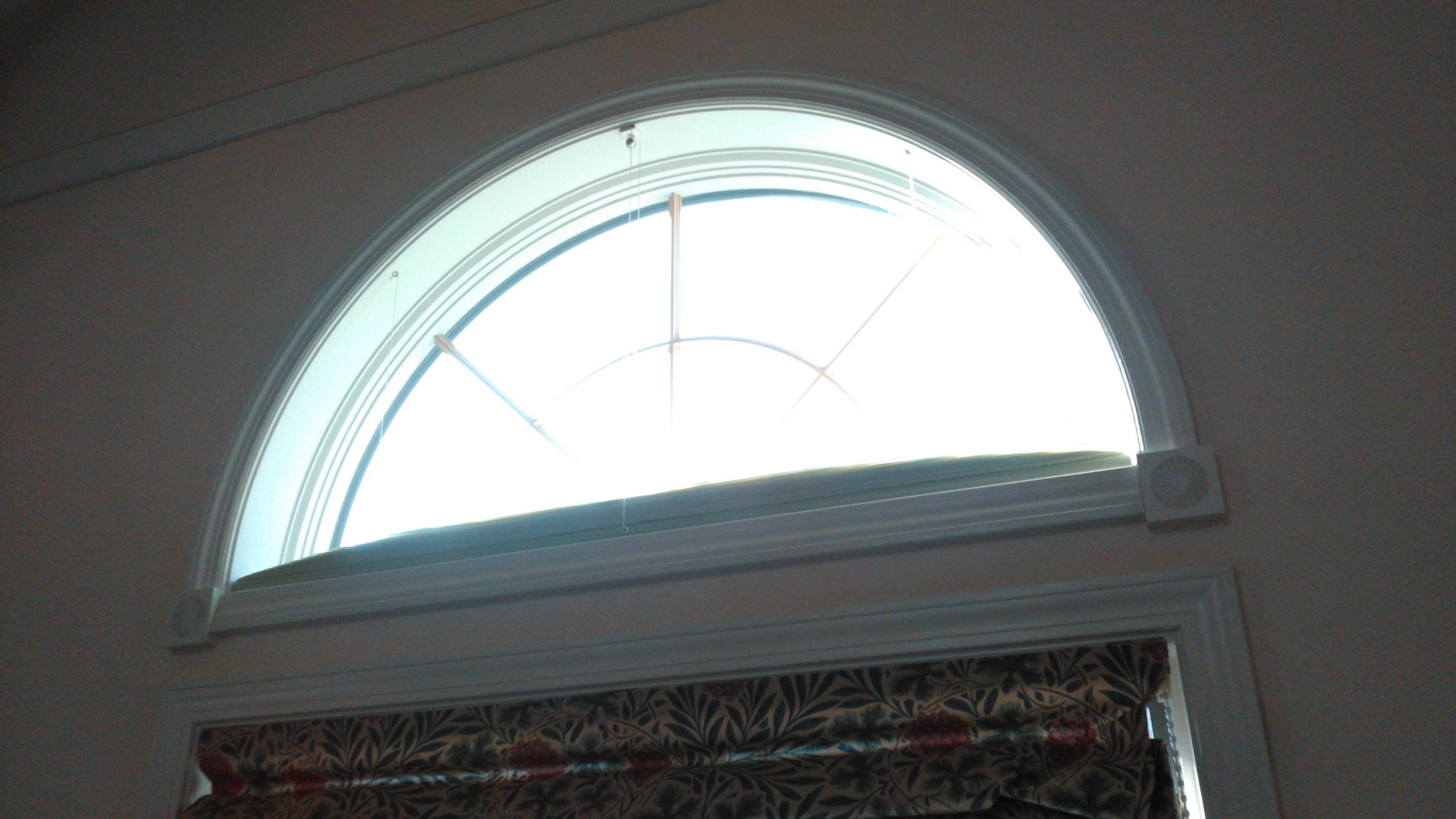 モリスの『カーテンとプレーンシェード』のクリーニングと半円窓の断熱工事 モリス正規販売店のブライト_c0157866_19240785.jpg