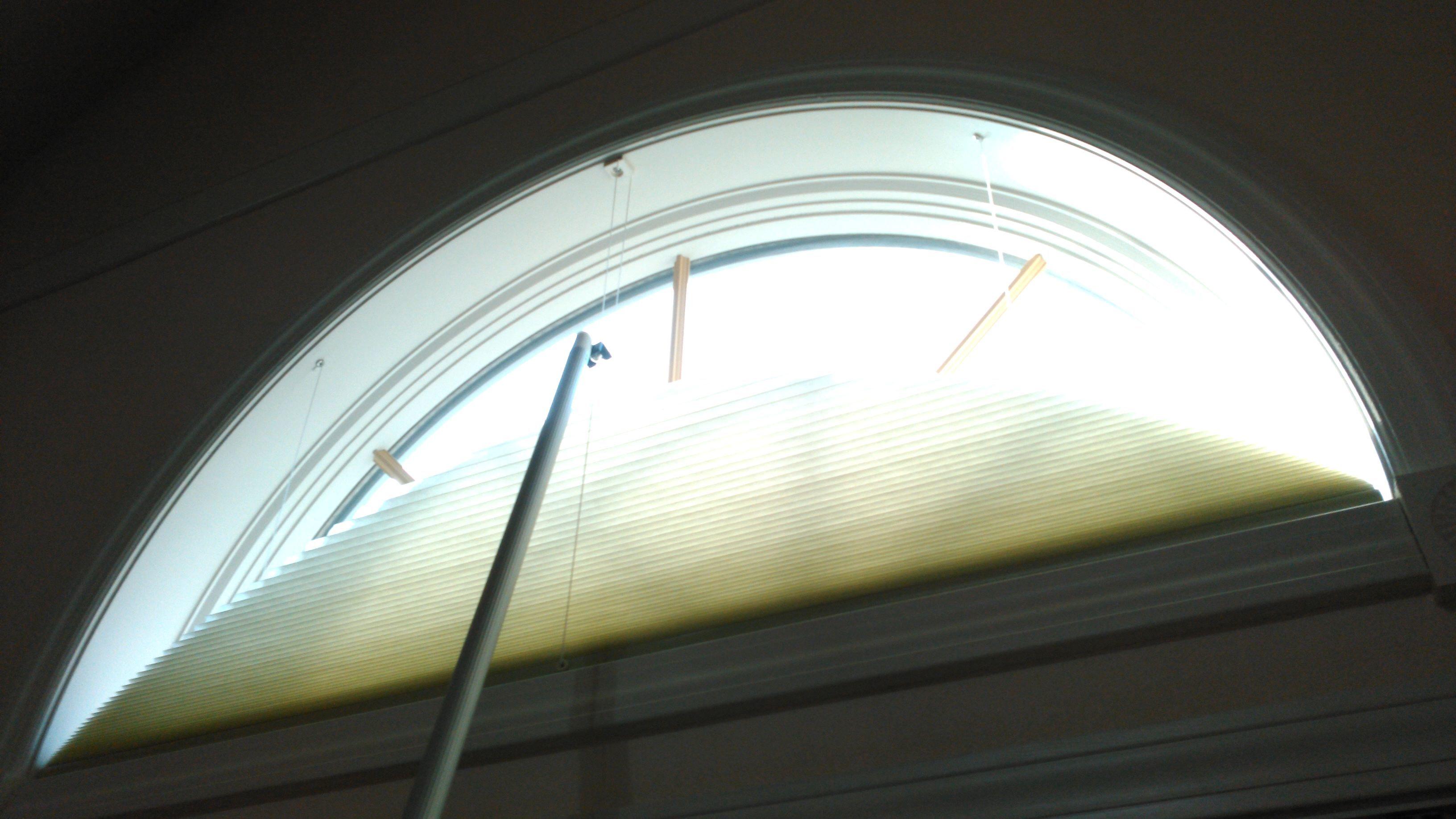 モリスの『カーテンとプレーンシェード』のクリーニングと半円窓の断熱工事 モリス正規販売店のブライト_c0157866_19242025.jpg