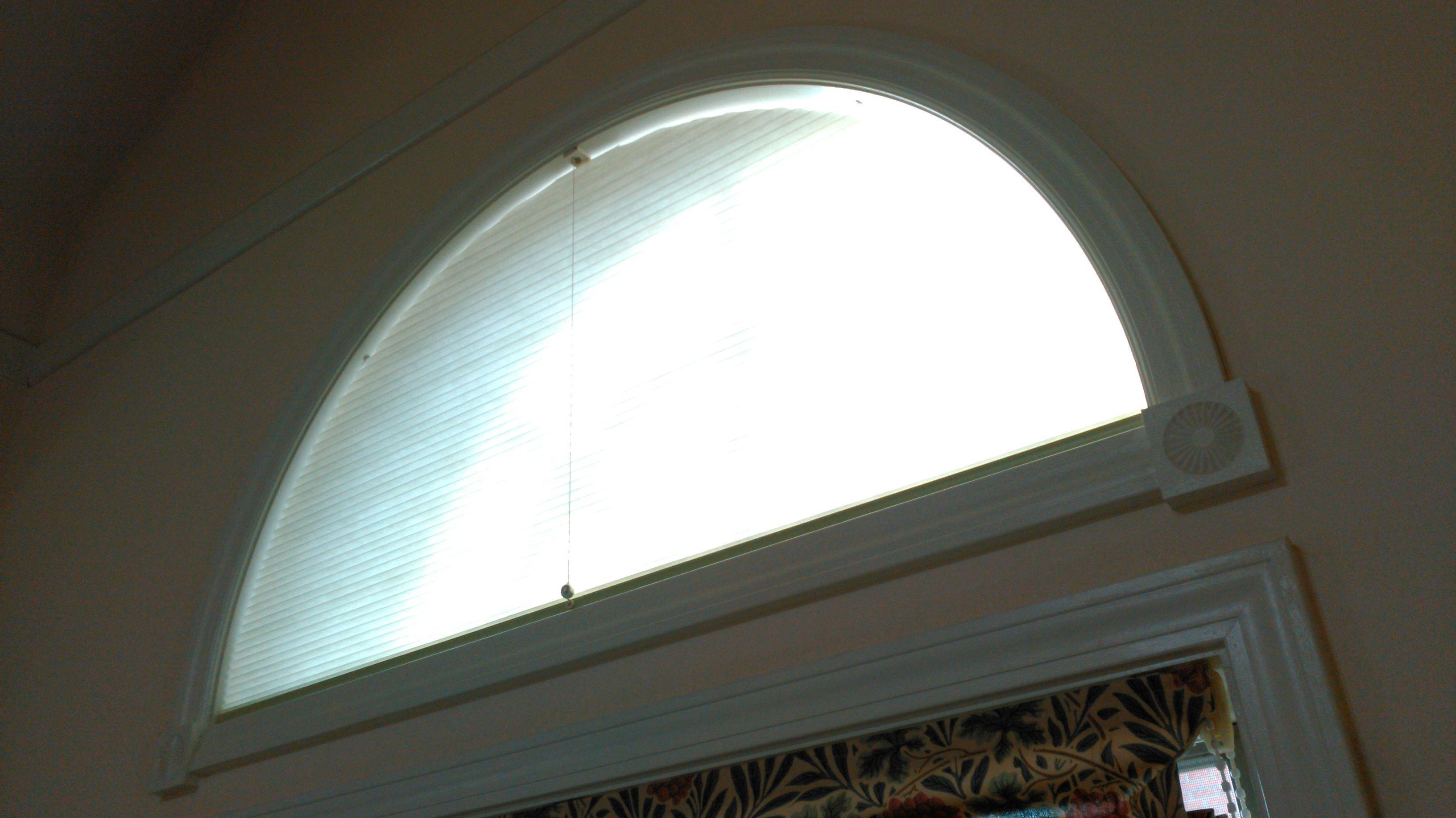 モリスの『カーテンとプレーンシェード』のクリーニングと半円窓の断熱工事 モリス正規販売店のブライト_c0157866_19242753.jpg